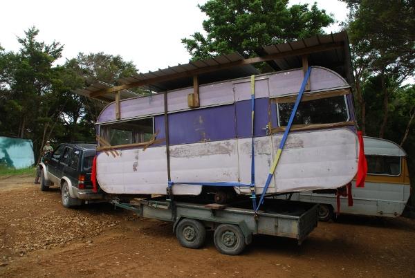 how (not) to move a caravan